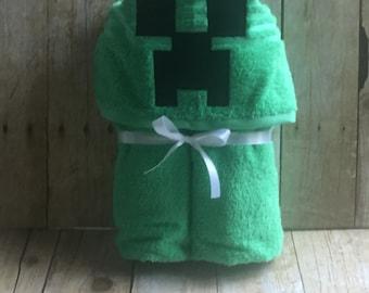 Creeping Hooded Towel