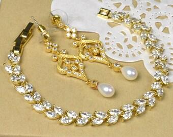 Wedding Jewelry Bridesmaid Gift Bridesmaid Jewelry Bridal Jewelry White Swarovski  bracelet , rhinestone bridal crystal bracelet