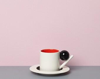 Geometric cup & saucer / black, red, black
