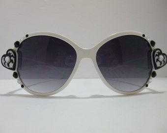 SNS-038 ~ White Sunnies w/ Black, White and Crystal Embellishments