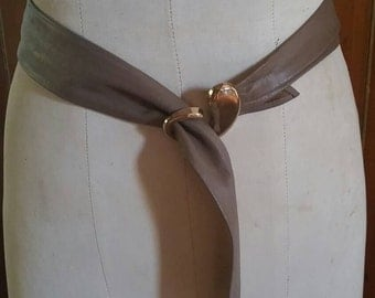 Light brown sash leather belt with retro goldtone buckle