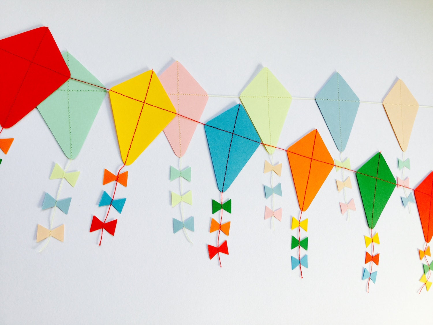 Let 39 s go fly a kite paper kite garland for Decoration kite