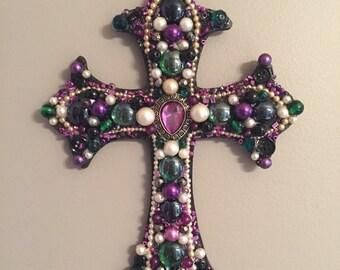 Custom jewelry embellished cross