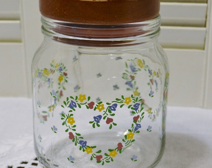Vintage Anchor Hocking Glass Canister Wooden Lid Heart Flower Design PanchosPorch