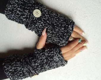 BLACK FRIDAY SALE! Fingerless gloves, black gray multicolored Crocheted Fingerless Gloves with a button Mittens Crochet gloves