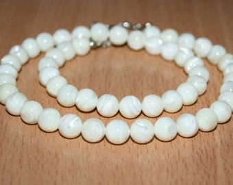 Necklace mother of pearl. Mother-of-Pearl Shell. 8mm Shell Beads.