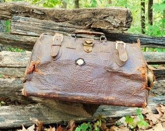 Old Leather Medical Doctor's Bag- Brown Dr. Bag- Old Time Medicine Case- Dentist Satchel- Physician Carrying Case- Rugged-Rustic Condition