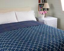 INDIGO BEDSPREAD - Indigo blue with off white pattern - Kantha stitched