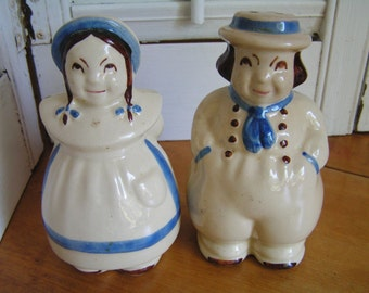 Vintage 40s Shawnee Pottery Jack and Jill Salt and Pepper Shakers Set Large Salt Pepper Boy and Girl USA Pottery Farm Kitchen Decor