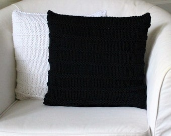CHUNKY KNIT CUSHION black