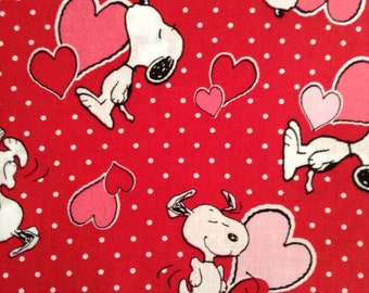 One Half Yard Of Fabric Material   Valentine Snoopy Red