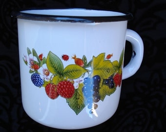 Vintage Soviet White Enamel Mug with Forest Fruits / Farm House Kitchen/ Farmhouse Decor /USSR/Unused