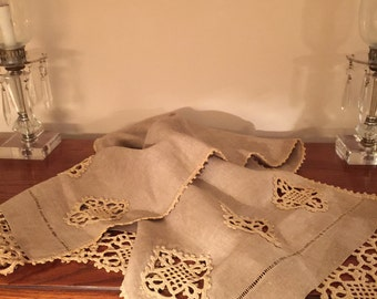 ELEGANT// Taupe// Crocheted Lace Runner// Drawnwork// Lovely Excellent Condition!