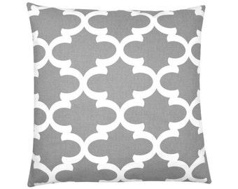 Cushion cover Bob grey white 40 x 40 cm grid graphically