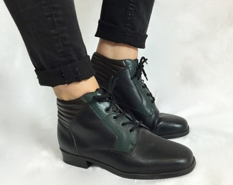 Unique Vintage LEATHER BOOTIES Color Block Ankle BOOTS Size 7