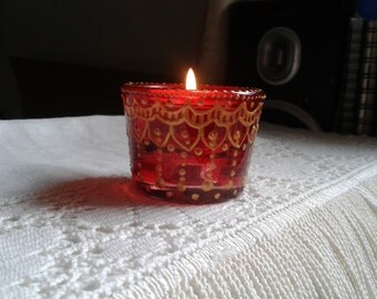 Red glass with gold henna pattern tea light holder