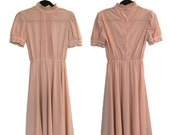 Vintage 60s/70s Short Sleeve Nude Pink Dress with Ruffle Trim (Medium)