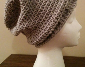 Simple slouchy hat with ribbed edging