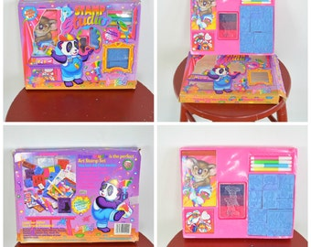 Lisa Frank Rubber Stamp Studio Art Stamp Set In Original Box 13 Rubber Stamps I.D. Labels Ink Pad Stickers Markers Paper Pad