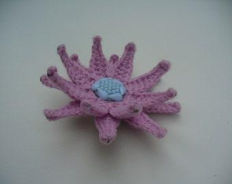 Crochet 2 in 1 jewelry Pattern: pink crochet flower brooch - hairpin, 3D crochet ornamental flower, original crochet hair accessory, decor
