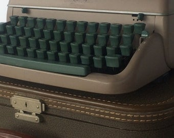 Remington Rand Typewriter Quiet Riter Executive Sand with Green Keys and Case Industrial Portable Typewriter
