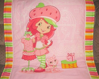 Strawberry Shortcake Blanket, 34X42, strawberry shortcake bedding, toddler blanket, baby blanket, strawberry shortcake, crib blanket, quilt