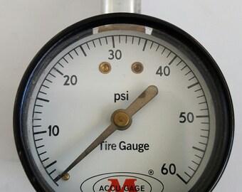 Vintage G.H. Meiser Accu-Gage tire pressure gauge. 60 psi, metal case and aluminum stem