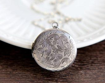 Locket Necklace, Locket Pendant, Silver Locket, Flower locket, Bridesmaid Gift, Rustic Wedding, Bridesmaid Jewelry, Bridesmaid Necklace