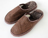 Men's Brown handmade slippers , made with suede leather sheep skin and Fur. The Cozy walking