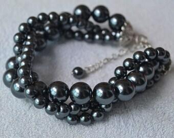 dark gray pearl Bracelet,Triple strand Glass Pearl Bracelet,Wedding Bracelet,Bridesmaid Bracelet,Maid of honor dark gray bead bracelet