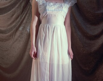 Beautiful 40s embellished embroidered lace long gown frilled shoulders