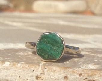 US 5, Raw Stone Ring, Raw Emerald Ring, Silver Gemstone Ring, Rough Natural Gemstone, Rough Emerald Ring, Natural Gemstone Ring
