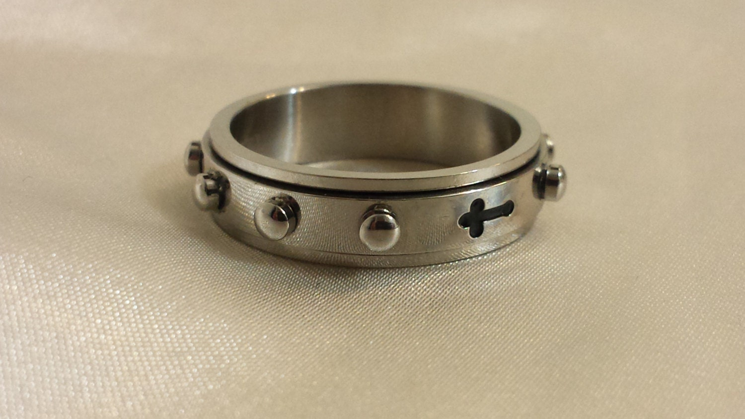 mens ring spinner rosary cross faith spinner by stonedelements. Black Bedroom Furniture Sets. Home Design Ideas