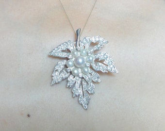 Maple Leaf necklace, Maple Leaf pendant, sterling silver pendant, sterling silver necklace, Maple Leaf jewelry, canada necklace