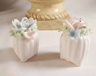 Salt and Pepper Shaker Set ~  FLOWER VASE,  MINI