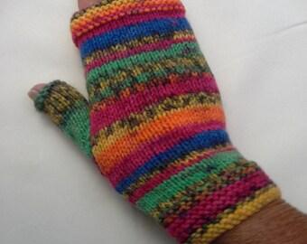 Fingerless gloves, slim fit, warm, vibrant colours.