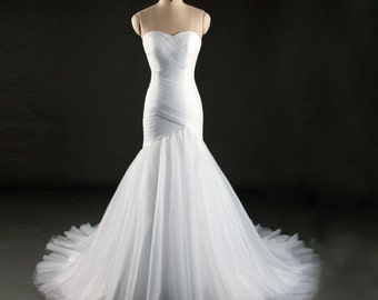 Drapped strapless wedding dress