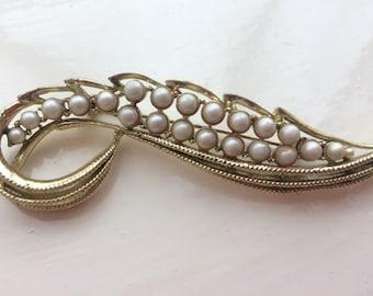 Vintage Gold and Pearl Leaf Brooch
