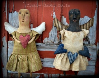 CraBBy GaBBy Primitive Folk Art Angel With heart/heart Garland