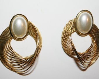 Vintage Gold Plated Mother of the Bride Pearl Earrings | Gold and Pearl earrings