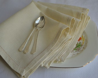 Set of 4 vintage Irish Linen tea napkins 1940s