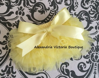 YELLOW BLOOMER with BOW, chiffon ruffle diaper cover, photo prop, newborn ruffle bloomer, several colors to choose from, chiffon ruffle.