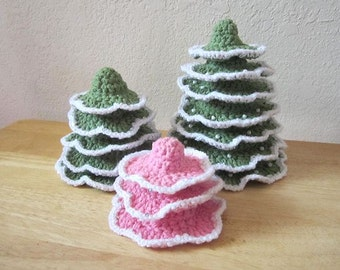 Snowy Christmas Tree Crochet Pattern for the Holidays - Easy DIY Holiday Decor