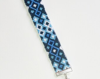 Kutu - handmade friendship bracelet with cotton threads
