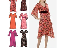 Simplicity Sewing Pattern 4946 Misses' / Miss Petite Dress with hemline variations  Size:  R5  14-16-18-20-22  Uncut