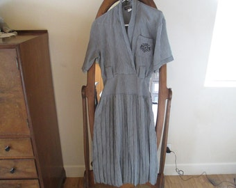 Grey Vintage Dress - Wonderful Material - Very Vintage Stylish! In Very Good Condition!