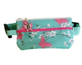 Insulin Pump Pouch Pack Butterfly Lace with butterfly zip charm.
