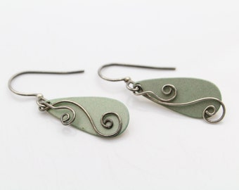 Vintage Artisan Sterling Silver Mixed Metals Swirl Hook Earrings. [6085]