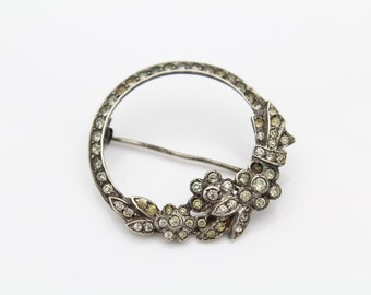 Vintage 1940s Sterling Silver and Rhinestone Open Circle Flower Brooch. [6312]