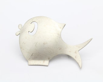 Vintage Sterling Silver Modern Cutout Fish Figural Brooch Signed Beaucraft. [6639]